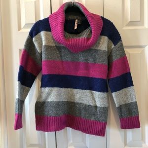 Love by Design cowl neck sweater large
